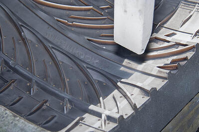 DRYICEBLASTING_INDUSTRIES_RUBBER&TIRES_TIREMOLDCLEANING (2) (1)