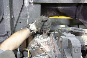 Dry ice blasting vs Hand tool cleaning